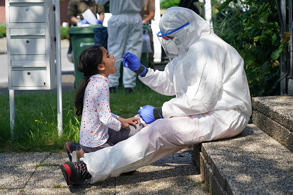 Infectious Disease「Guetersloh Region To Go Into Lockdown Following Over 1,500 Confirmed Covid-19 Cases」:写真・画像(18)[壁紙.com]