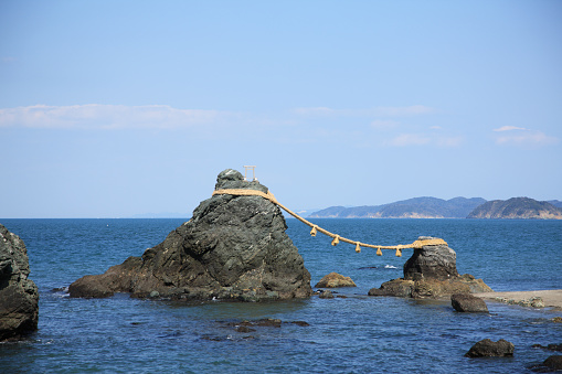 Japanese Culture「The Married Couple Rocks at Futamiura, Ise, Mie, Japan」:スマホ壁紙(7)