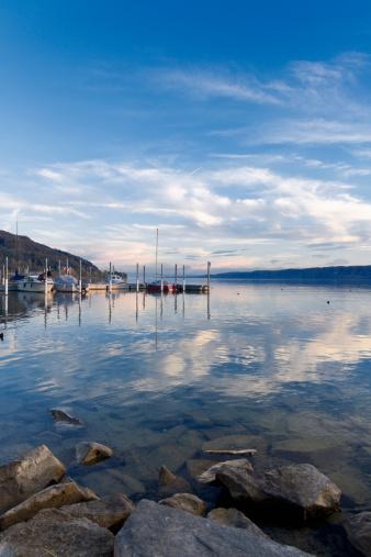 Wooden Post「Germany, Baden-Wuerttemberg, Bodman-Ludwigshafen, Uberling Lake, marina」:スマホ壁紙(12)