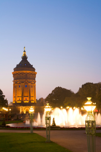 Mannheim「Germany, Baden-Württemberg, Mannheim, View of Wasserturm water tower at night」:スマホ壁紙(15)