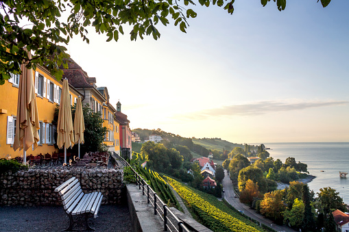 バーデン・ビュルテンベルク州「Germany, Baden-Wuerttemberg, Lake Constance, Meersburg, State wine-growing estate in the evening」:スマホ壁紙(14)