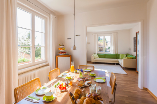 Window「Germany, Baden-Wuerttemberg, Stuttgart, laid breakfast table」:スマホ壁紙(0)