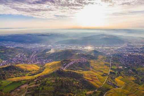 Stuttgart「Germany, Baden-Wuerttemberg, Stuttgart, aerial view of Neckar Valley with vineyards」:スマホ壁紙(14)
