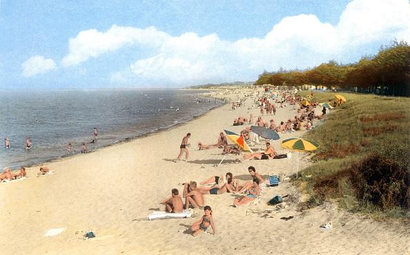 Postcard「Oleron island, France : the beach, postcard, c. 1964」:写真・画像(3)[壁紙.com]