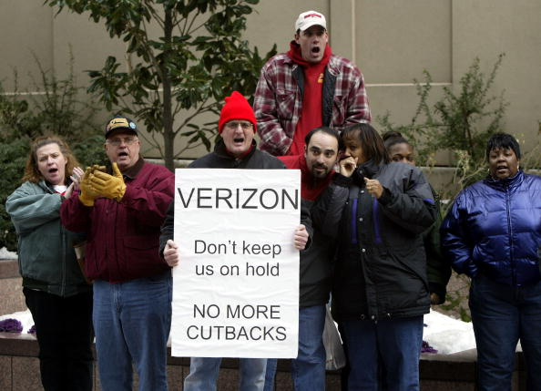 Downsizing - Unemployment「Verizon Workers Demonstrate Against Potential Lay-Offs」:写真・画像(13)[壁紙.com]