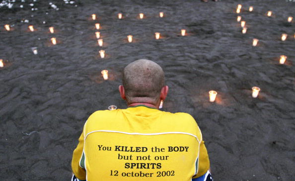 Respect「Tributes To Bali Bomb Victims Laid At Site Ahead Of Anniversary」:写真・画像(17)[壁紙.com]