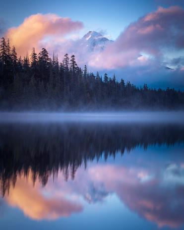 Glowing「Mt Hood Sunrise over Lost Lake Oregon」:スマホ壁紙(8)