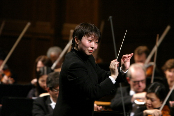 Musical Conductor「Xian Zhang」:写真・画像(4)[壁紙.com]