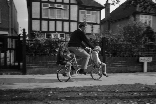 Victor Blackman「Graham Hill And Children」:写真・画像(14)[壁紙.com]