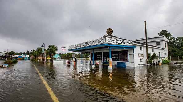 Mark Wallheiser「Hurricane Michael Slams Into Florida's Panhandle Region」:写真・画像(16)[壁紙.com]