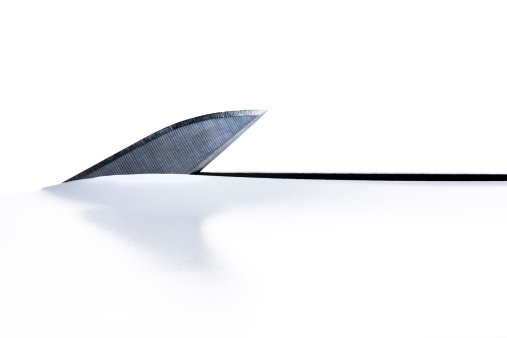 Cutting「Knife cuts paper like a shark's fin」:スマホ壁紙(3)
