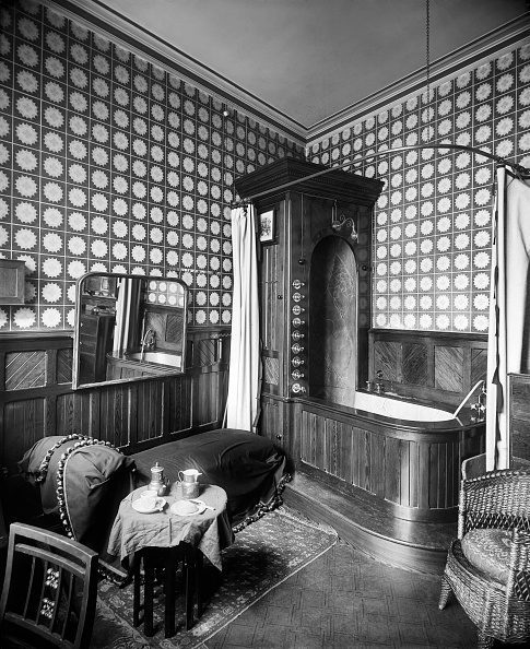 Bathroom「Victorian Bathroom Interior」:写真・画像(12)[壁紙.com]