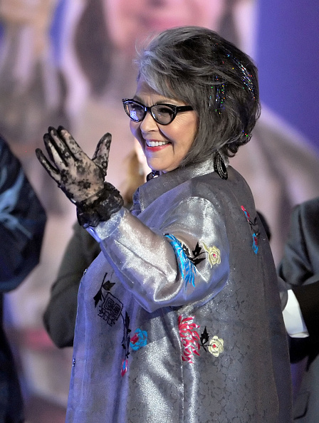 Lace Glove「Comedy Central Roast Of Roseanne Barr - Show」:写真・画像(19)[壁紙.com]