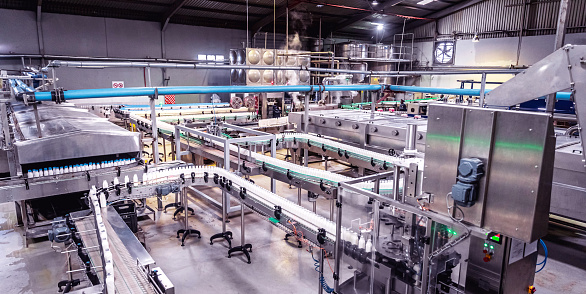 In A Row「Dairy Factory in Africa」:スマホ壁紙(4)