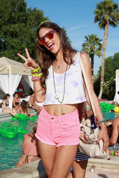 Denim Shorts「LACOSTE L!VE 4th Annual Desert Pool Party - Day 1」:写真・画像(10)[壁紙.com]