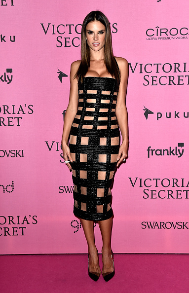 アレッサンドラ・アンブロジオ「2014 Victoria's Secret Fashion Show - After Party Arrivals」:写真・画像(16)[壁紙.com]