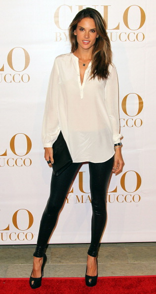 White Blouse「Los Angeles Launch Of CULO By Mazzucco」:写真・画像(15)[壁紙.com]