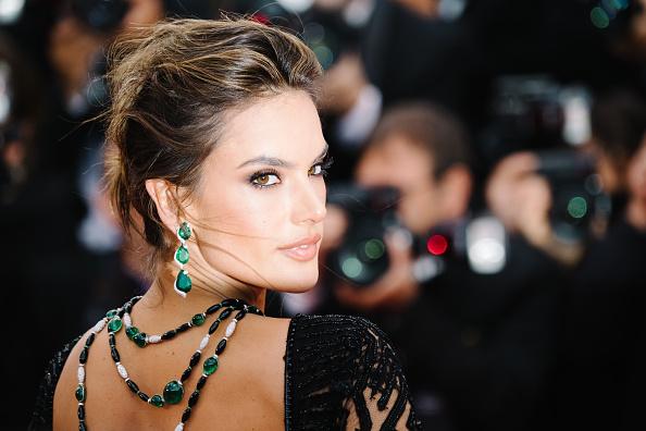 "Alessandra Ambrosio「""BlacKkKlansman"" Red Carpet Arrivals - The 71st Annual Cannes Film Festival」:写真・画像(3)[壁紙.com]"
