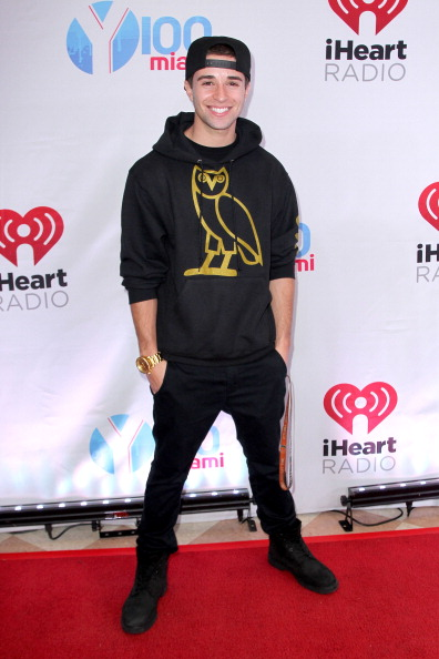 T 「Y100's Jingle Ball 2013 Presented By Jam Audio Collection - Press Room」:写真・画像(5)[壁紙.com]