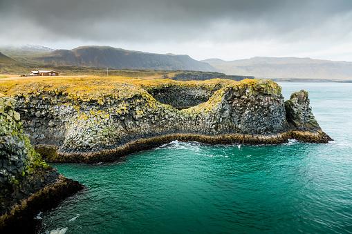 Arnarstapi「Cliffs of Arnarstapi -  Beautiful Icelandic Coastline Landscape」:スマホ壁紙(18)