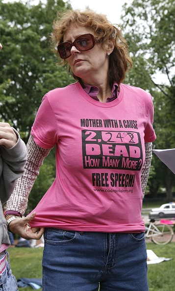 Joshua Roberts「Activists Stage Mother's Day Antiwar Protest In Front Of White House」:写真・画像(0)[壁紙.com]