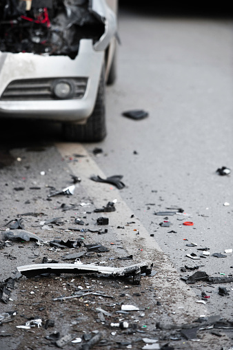 Ruined「Terrible scene of the aftermath of a car crash」:スマホ壁紙(3)