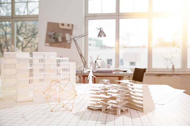 Desktop with architectural model in architecture office:スマホ壁紙(壁紙.com)