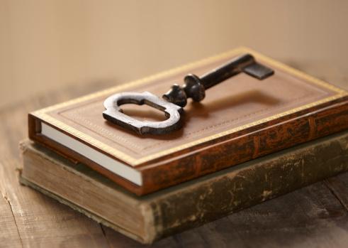 Literature「Key to Knowledge」:スマホ壁紙(1)