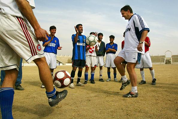 Paula Bronstein「Kabul Soccer Team Practices」:写真・画像(4)[壁紙.com]