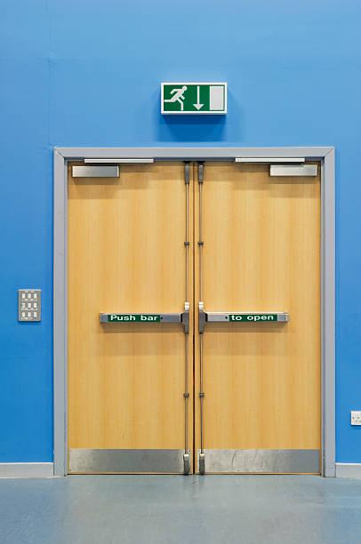 Emergency fire doors:スマホ壁紙(壁紙.com)