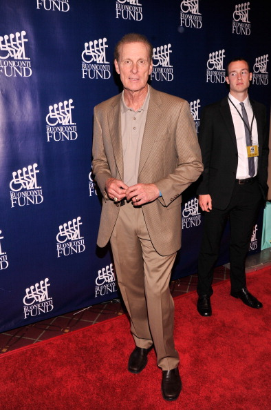 Stephen Lovekin「28th Annual Great Sports Legends Dinner To Benefit The Buoniconti Fund To Cure Paralysis - Arrivals」:写真・画像(7)[壁紙.com]