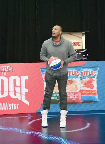 "Paul Pierce「Ruffles, the Official Chip of the NBA, and Presenting Partner of the NBA Celebrity All-Star Game unveils ""THE RIDGE"" 4-Point During NBA All-Star Weekend」:写真・画像(4)[壁紙.com]"