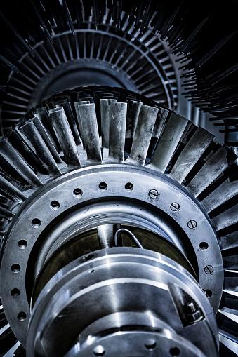 Engineering「Turbine in reparation process」:スマホ壁紙(1)