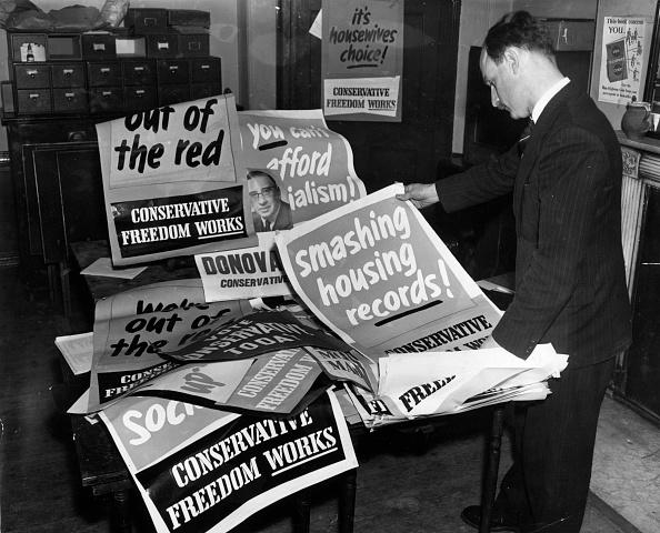 Monty Fresco「Tory Election Posters」:写真・画像(18)[壁紙.com]