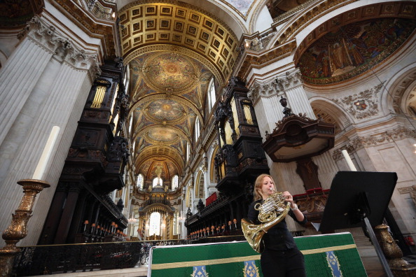St「Live Music Sculpture at St Paul's Cathedral」:写真・画像(16)[壁紙.com]