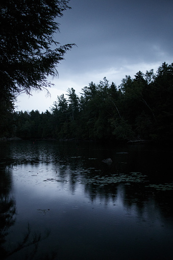 Adirondack Mountains「View of Saranac Lake at dusk」:スマホ壁紙(14)