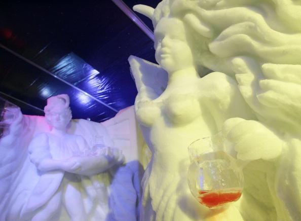 Ice Sculpture「Belgium's Snow & Ice Festival Opens」:写真・画像(0)[壁紙.com]