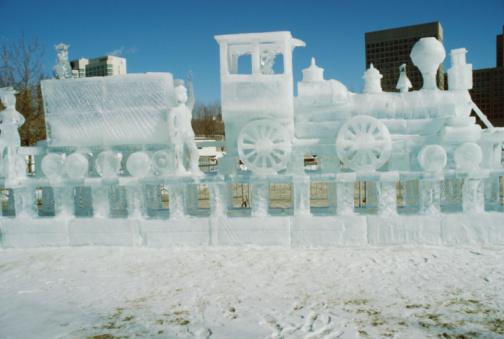 Ice Sculpture「Ice sculpture of train」:スマホ壁紙(17)