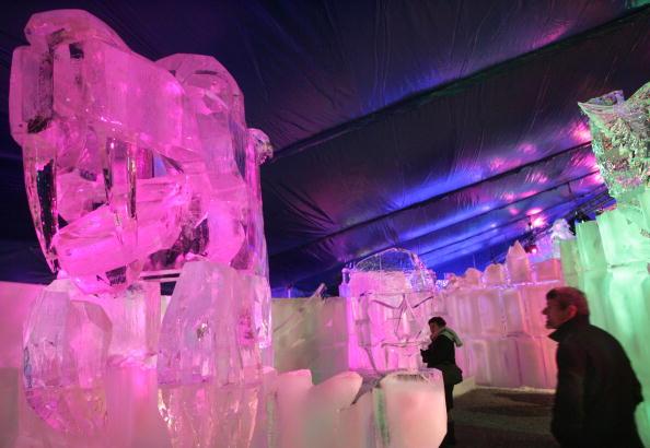 Ice Sculpture「Annual Ice Sculpture Festival In Bruges」:写真・画像(2)[壁紙.com]