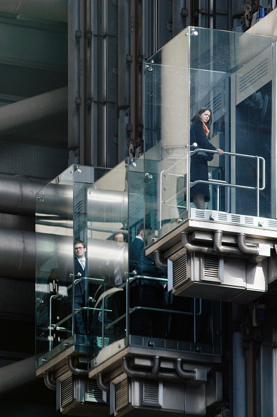 Elevator「UK, staff using outdoor lifts to go to their offices at the Lloyds building in the City of London」:写真・画像(14)[壁紙.com]