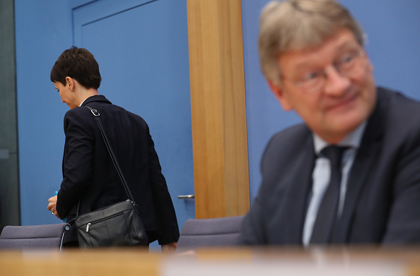 Two People「German Elections: The Day After」:写真・画像(10)[壁紙.com]