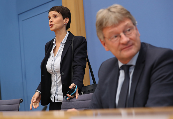 Two People「German Elections: The Day After」:写真・画像(11)[壁紙.com]