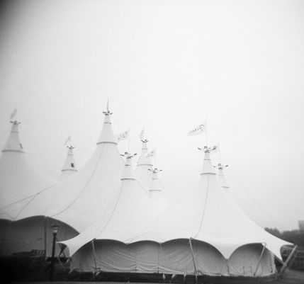 Entertainment Tent「Circus Tents on Gray Day」:スマホ壁紙(10)