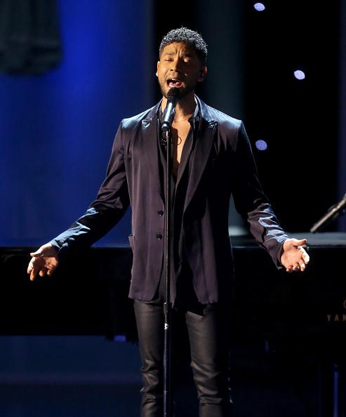 歌う「47th NAACP Image Awards Presented By TV One - Show」:写真・画像(11)[壁紙.com]