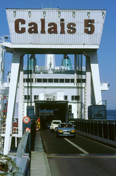 Calais「Cars boarding ferry at Calais」:写真・画像(11)[壁紙.com]