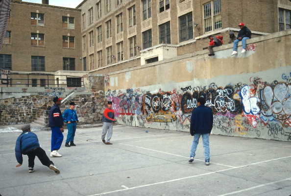 Graffiti「School Handball」:写真・画像(2)[壁紙.com]