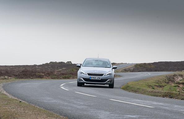 Finance and Economy「2014 Peugeot 308 THP 156 Feline」:写真・画像(13)[壁紙.com]