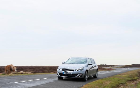 Finance and Economy「2014 Peugeot 308 THP 156 Feline」:写真・画像(14)[壁紙.com]