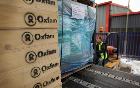 Oxfam「Aid Bound For Haiti Is Prepared At The Oxfam Warehouse」:写真・画像(0)[壁紙.com]