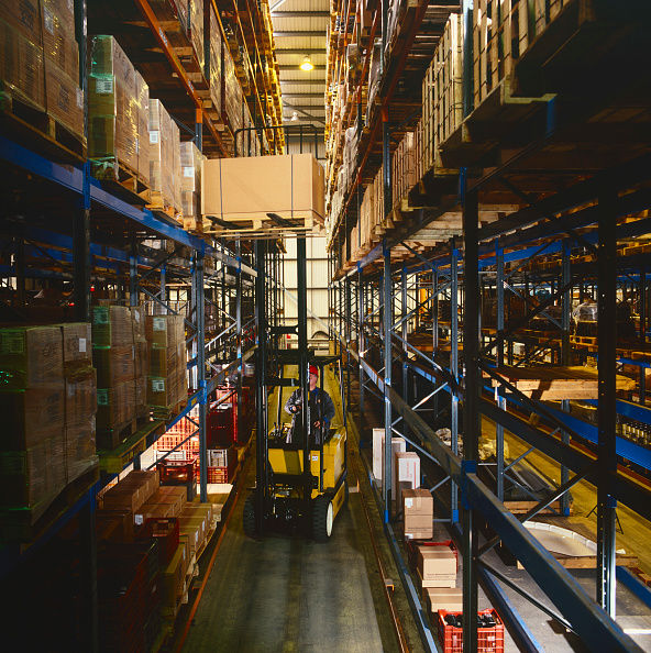 Furniture「Fork lift truck lifting box in warehouse, UK」:写真・画像(15)[壁紙.com]